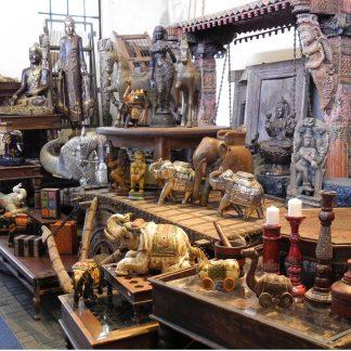 Elefanten, Pferde, Vögel, Schlangen und andere Tiere oder altes indisches Spielzeug, wir haben es.